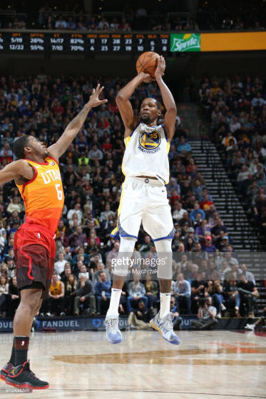 Golden State Warriors v Utah Jazz : News Photo